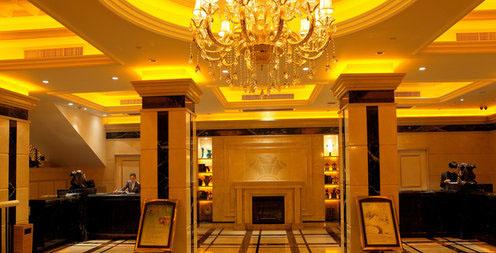 婚宴酒楼        精致,典雅的欧式风格宴会大厅;亲切,殷勤的服务以及